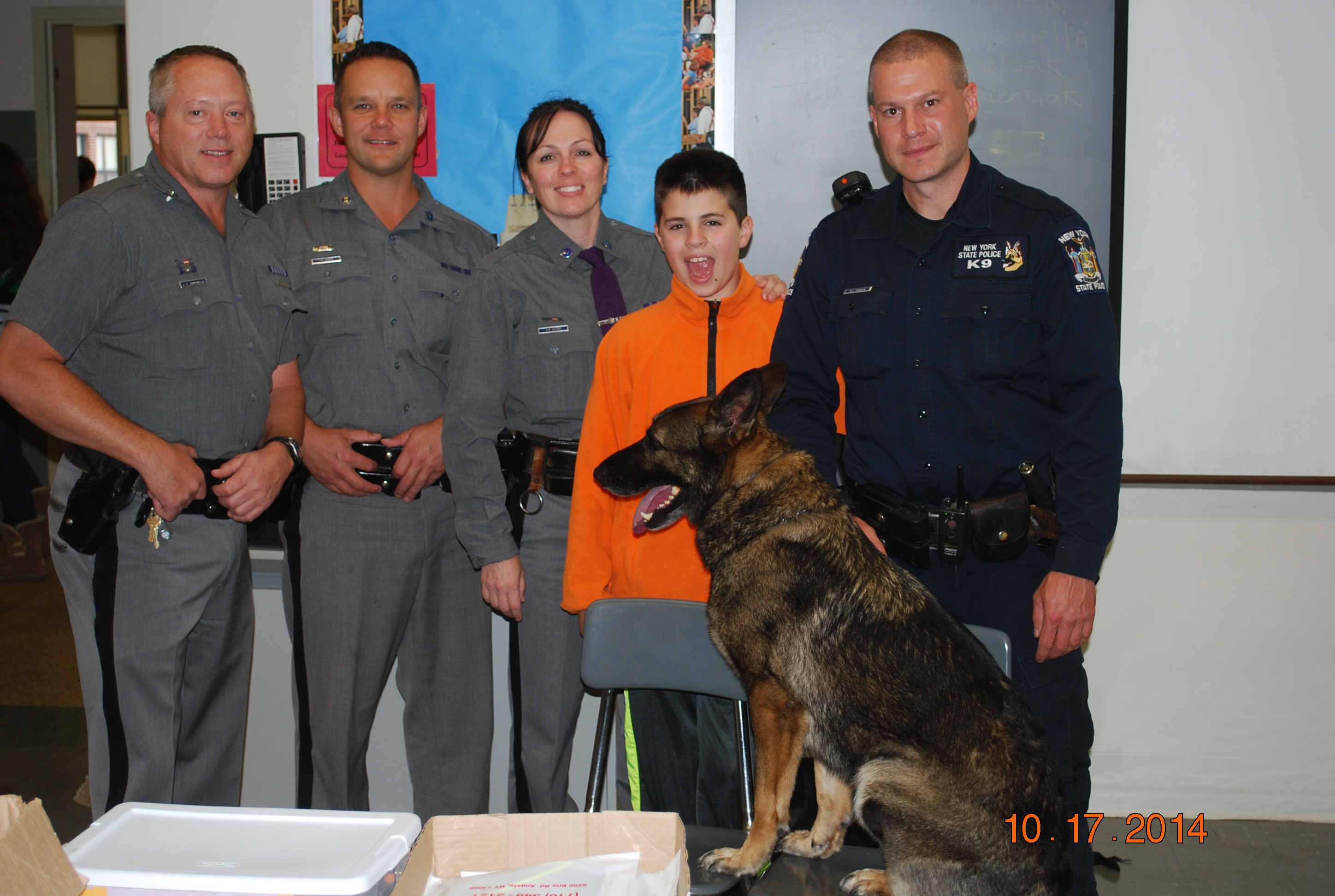 Troopers Visit MS for Career Chat