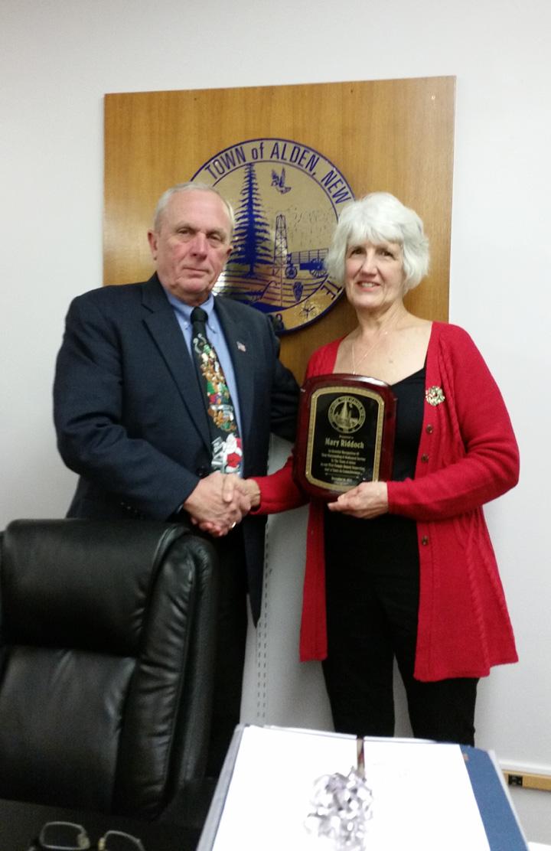 Milligan and Riddoch Honored at Board Mtg.