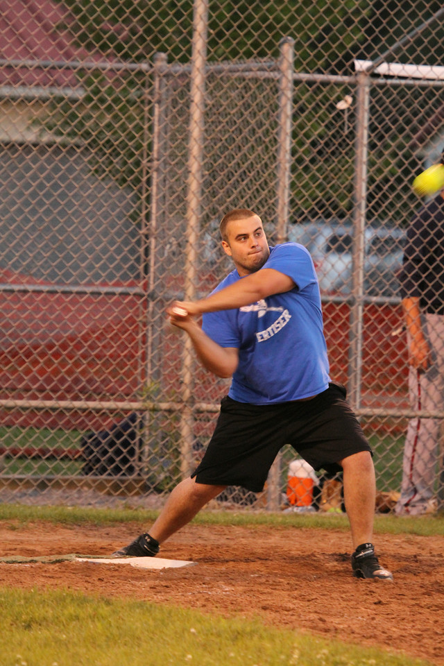 Darrows and Tonawanda Bowling Center Win Softball Tourney