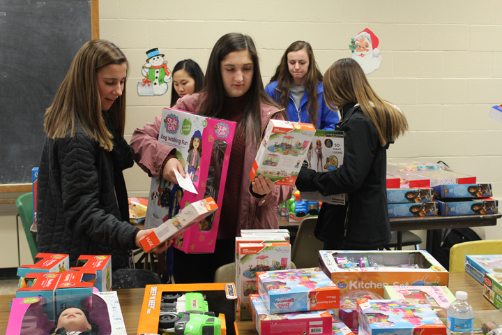 Alden Kiwanis Club/AHS Key Club Toys for Tots